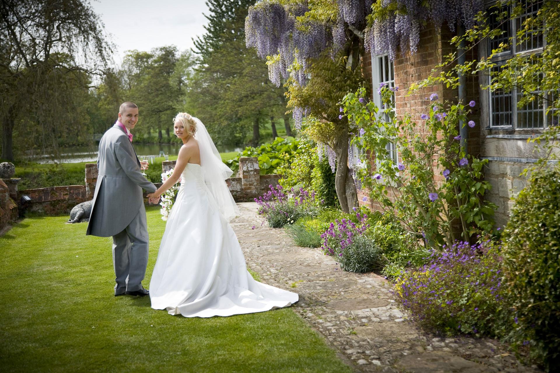 wisteria wild flowers and weddings a rundown of spring at birtsmorton court birtsmorton court. Black Bedroom Furniture Sets. Home Design Ideas